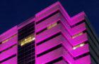 Abbott realiza encendido en rosa de su edificio en Montehiedra en apoyo a Susan G. Komen para concienciar sobre el cáncer de seno